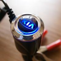 Зарядка для телефона с логотипом KIA